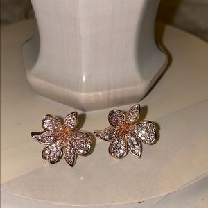 Express floral earrings
